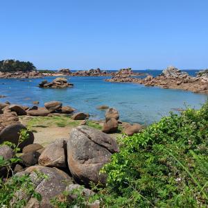 Côte de granit rose - plage du Portuais
